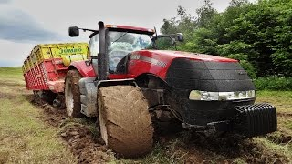Case IH Magnum 260 in the mud