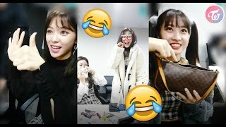 "Hashtag TWICE funny moments - "" Guess how many lipsticks in their pouch ""(ENG SUB)"