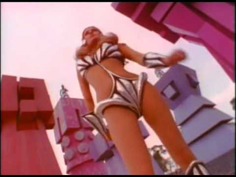 Raquel Welch: Space-Girl Dance
