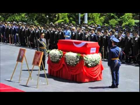 Low-key 'state' funeral for Turkish coup leader
