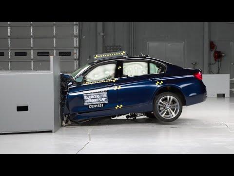 2016 BMW 3 series small overlap IIHS crash test