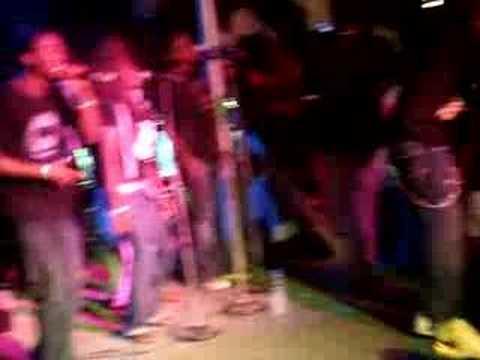 Banky W  The Vault Performing Ebute Metta video