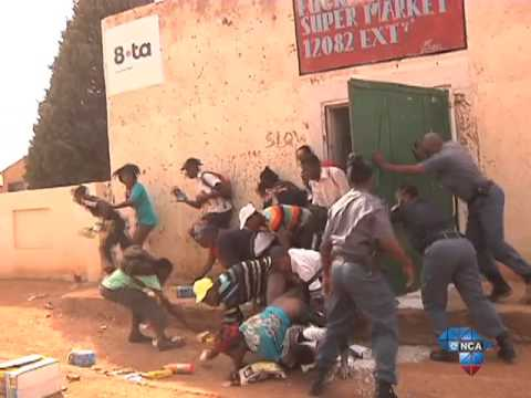 Police arrest more than 90 in Orange Farm shop looting