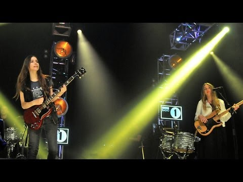 HAIM - Falling at Radio 1's Big Weekend