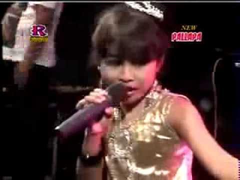 download lagu Artis Cilik Tasya ~ Payung Hitam gratis