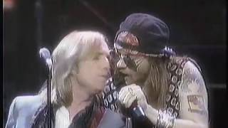 download lagu Tom Petty & Axl Rose - 1989 Mtv Awards gratis