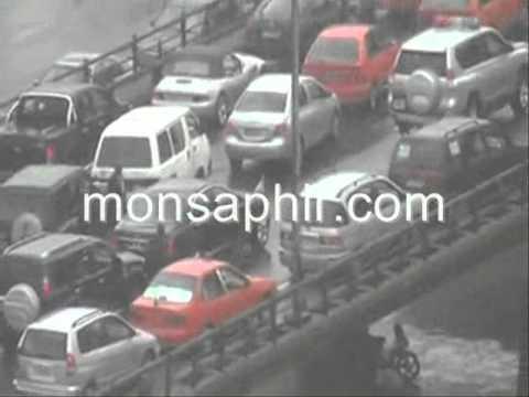 Abidjan: Le Cortège du Pr. Alassane OUATTARA, pris dans un embouteillage-16.10.2012