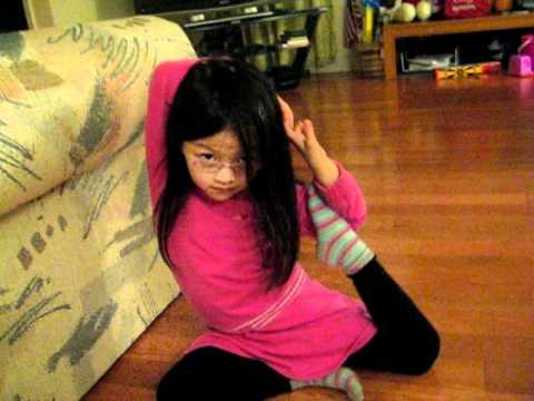 little yoga girl.avi thumbnail