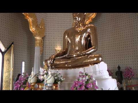Golden Buddha, Wat Traimit, Bangkok, Thailand.
