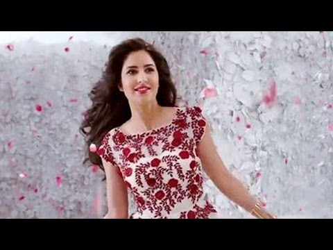 Hot Katrina Kaif's Sexy Long Legs In Bangbang video