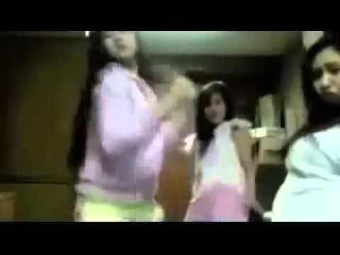 Gadis Joget Goyang Asik Di Kamar Kos video