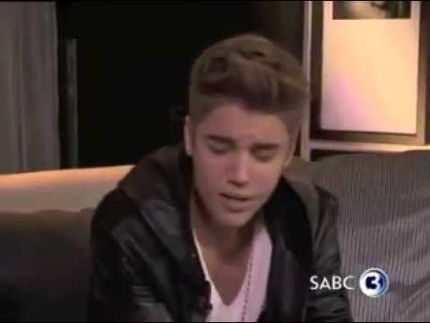Justin Bieber Singing 'Love Me Like You Do' Acapella Music Videos