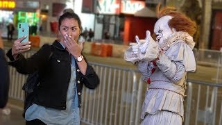 PENNYWISE IN PUBLIC PRANK!