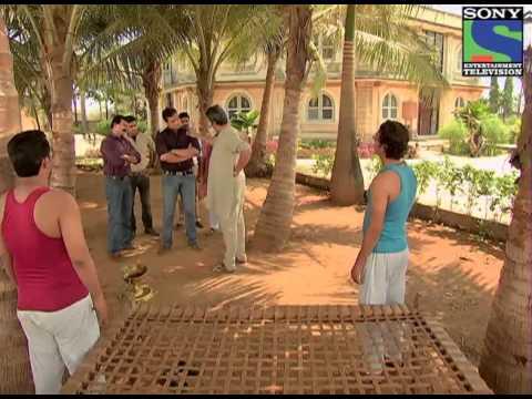 Jungle Ki Ladki Ka Raaz - Episode 941 - 14th April 2013