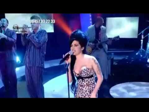 Amy Winehouse - Rehab (Live on Children in Need 2006)