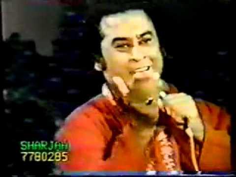 Kishore Kumar   Phoolon Ka Taaron Ka Sabka Kehna Hai video