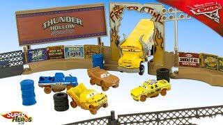 Disney Cas 3 Piste Thunder Hollow Smash & Crash Derby McQueen Miss Fritter Jouets