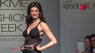 HOT Sushmita Sen Sizzles up the Lakme Fashion Show