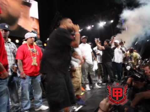 official Hot 97 Summer Jam 2010 video( Busta Rhymes live Wildin the Fuckout crowd goes CRAZZZYY)