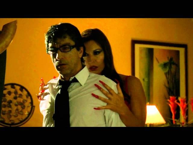Amparo Grisales, sensual y maravillosa, solo en el cortometraje A SOLAS