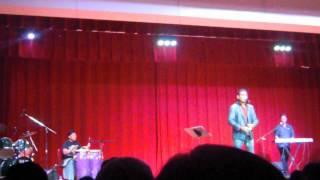 Abhijeet singing 'kahin dur jab'; by Nandini Sarkar