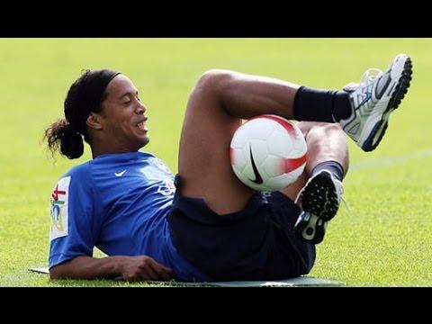Ronaldinho ● Freestyle ● Crazy Tricks