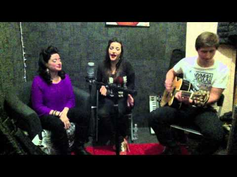 Valerie - Amy Winehouse (acoustic cover) Cara Samantha, Nina Siegel & Iakov Kremenskiy