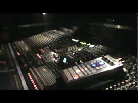 Mad Professor mezclando a Lee Perry and the Robotiks - Sala Apolo - Barcelona - 4 - 3 - 2012