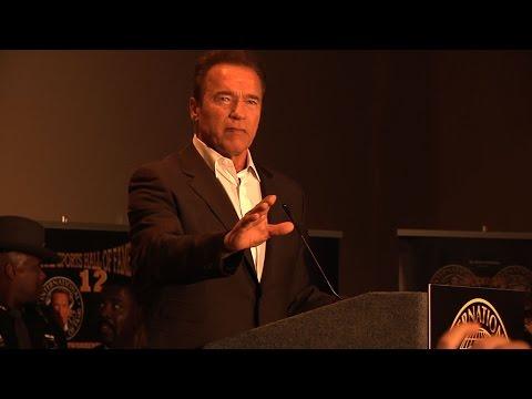 Arnold Schwarzenegger criticize today's bodybuilding - Arnold Classic 2015