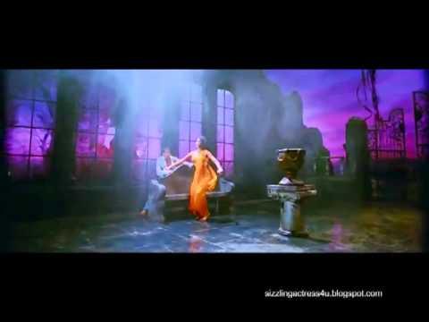 Katrina Kaif Hot In Gale Lag Ja - De Dana Dan Hd Song video