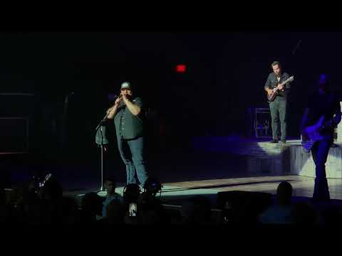 "Download Lagu  Luke Combs ""Beer never broke my heart"" live Mp3 Free"