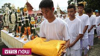 Đội bóng nhí Thái Lan xuống tóc đi tu   VTC9