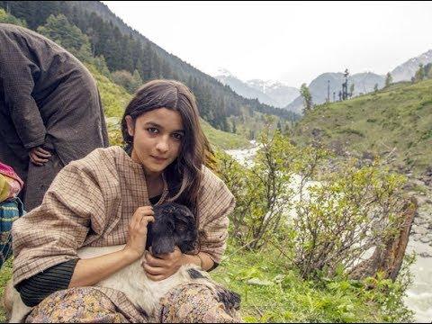 Alia Bhatt in Kashmir for the shooting of her upcoming film Raazi thumbnail