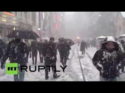 Turkey: Travel MAYHEM hits Istanbul as heavy snow blankets city