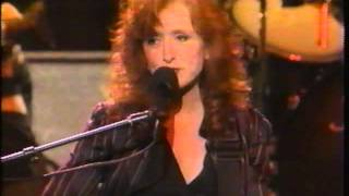 Watch Bonnie Raitt Longing In Their Hearts video