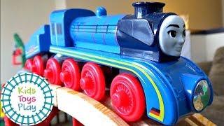 Thomas the Train Mystery Wheel Downhill Train Races Compilation