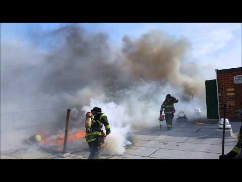 Raw video: Roof ops at NY apartment fire