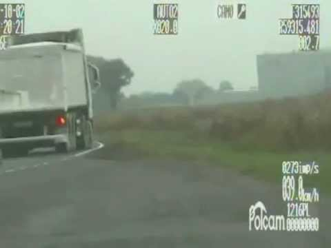 TV jaja - Instruktor nauki jazdy złamał przepisy. Nagrał to wideoradar
