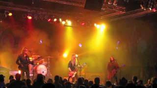 Watch Blackberry Smoke Train Rollin video
