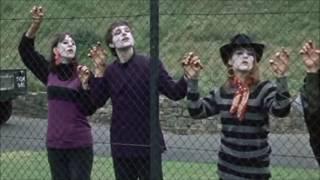 Watch Kinks Holiday Romance video