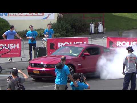 Burnout copetition american muscle mustang show 8-16-14