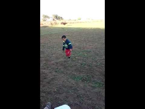 احسن رقص مغربي طفل يبلغ في عمره 9 سنوات thumbnail