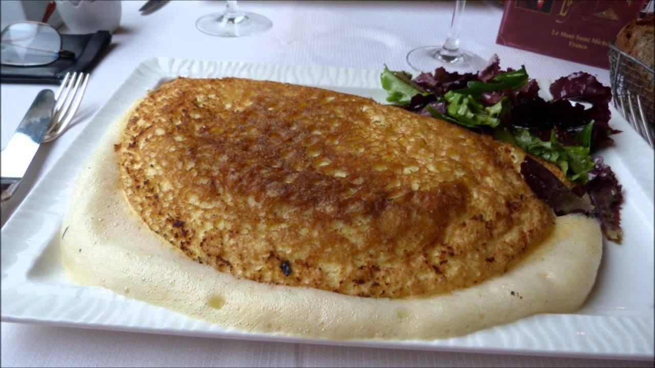 la fameuse omelette de la mere poulard au mont michel