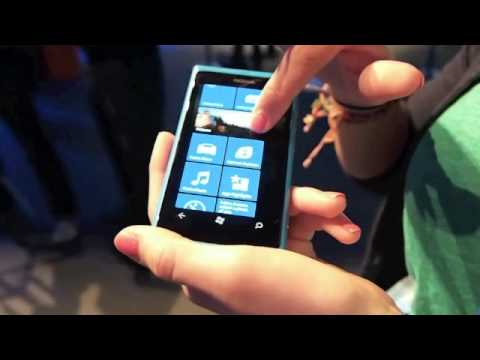 Nokia Lumina 800 Hands On - Windows Phone 7