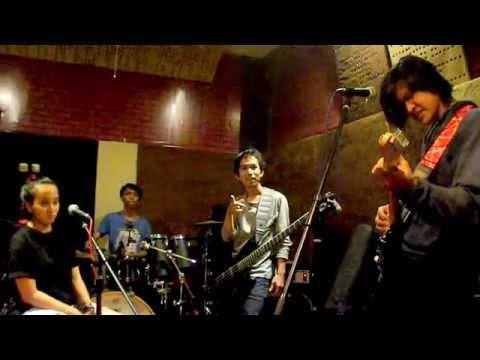 Poppies Band - Bento Iwan Fals (cover Ello)