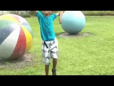 Black Guy Sings Starships By Nicki Minaj video