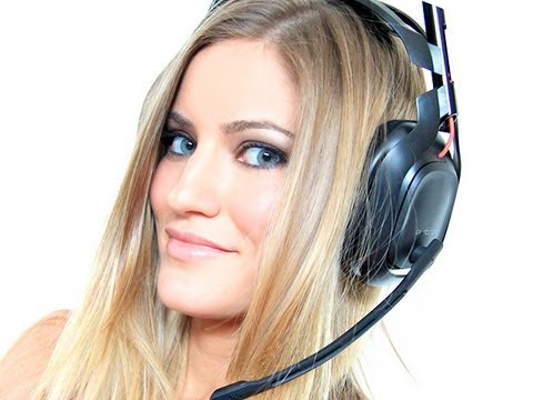 Astro A50's gaming headset unboxing and reaction!