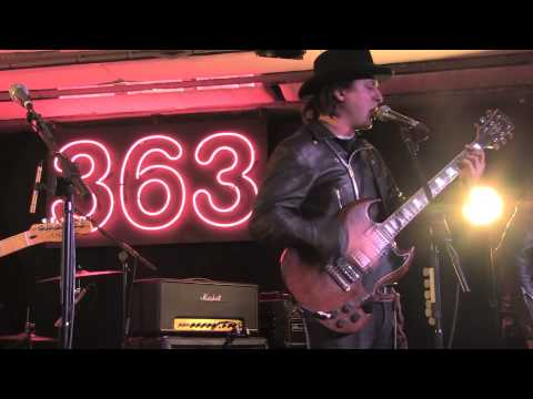 Carl Barat And The Jackals - A Storm Is Coming