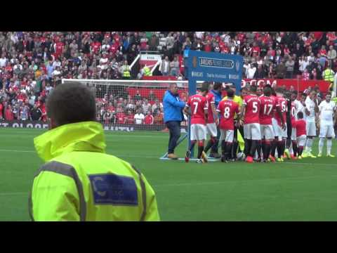 Players entrance and award for Rio Ferdinand Manchester United 4 - QPR 0 14.09.14
