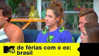 Garrafa do mar traz umas verdades para Sarah e Tati   De Férias Com O Ex Brasil Ep. 08